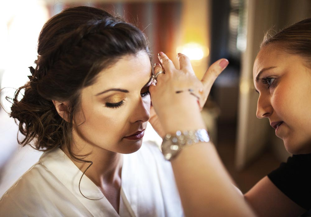Wedding make-up preparation