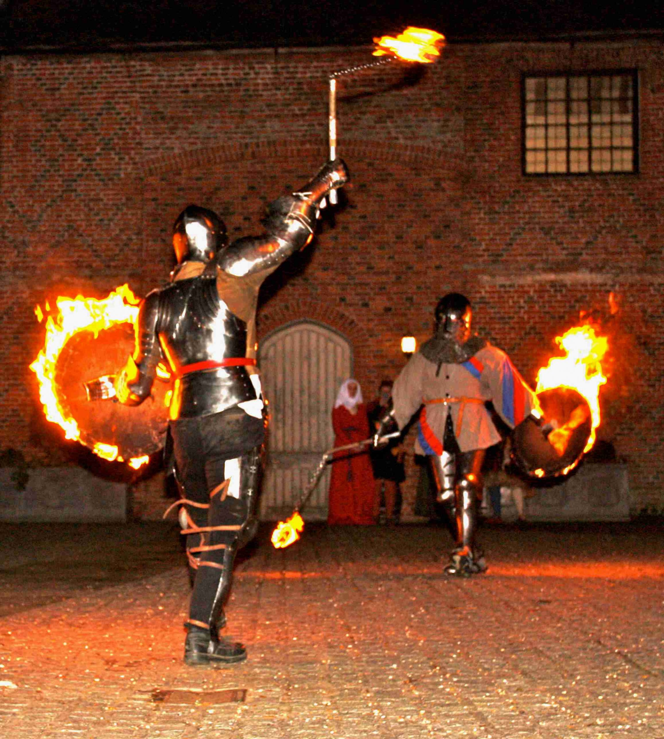 Fire entertainers in the courtyard