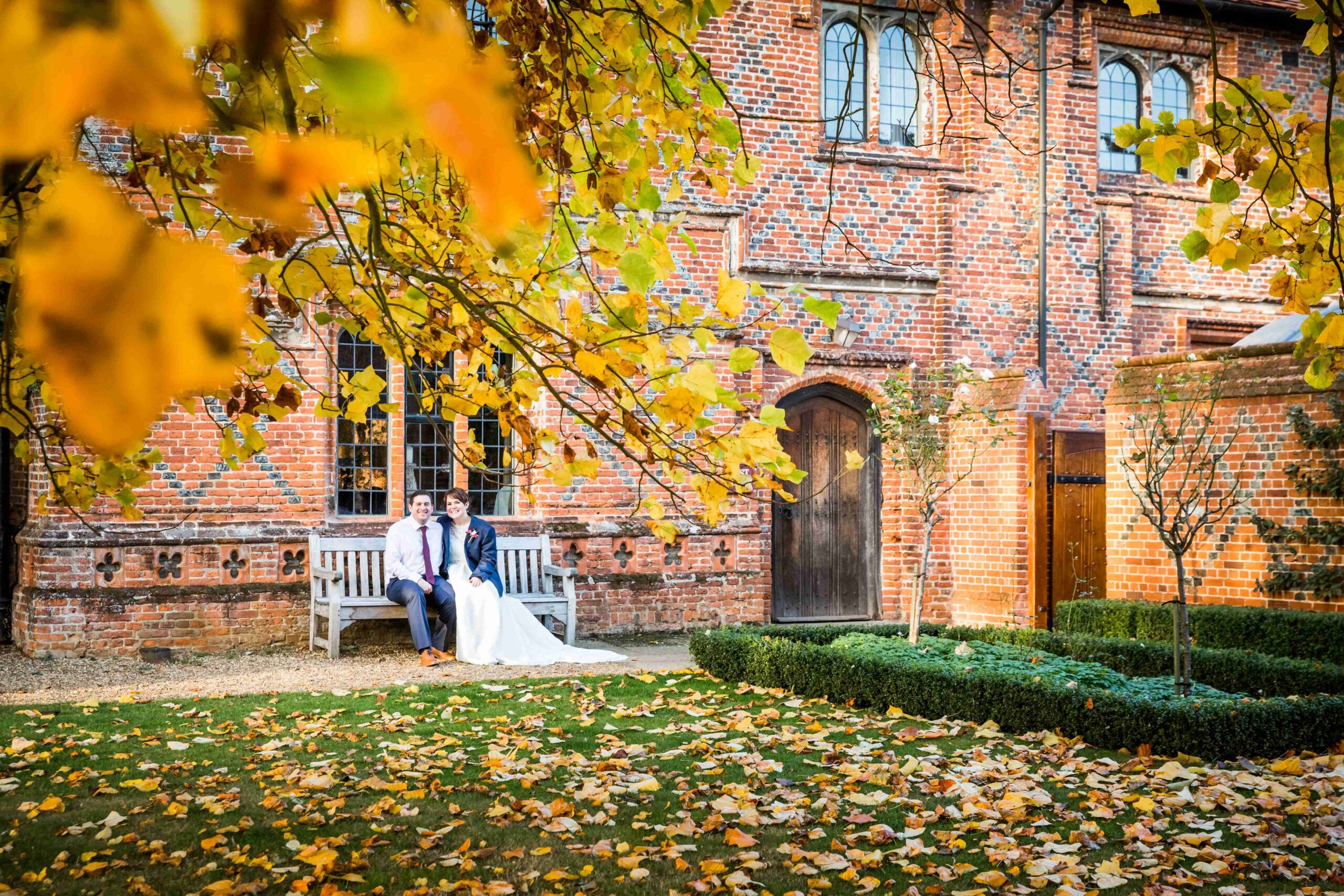 Wedding couple, Autumn leaves