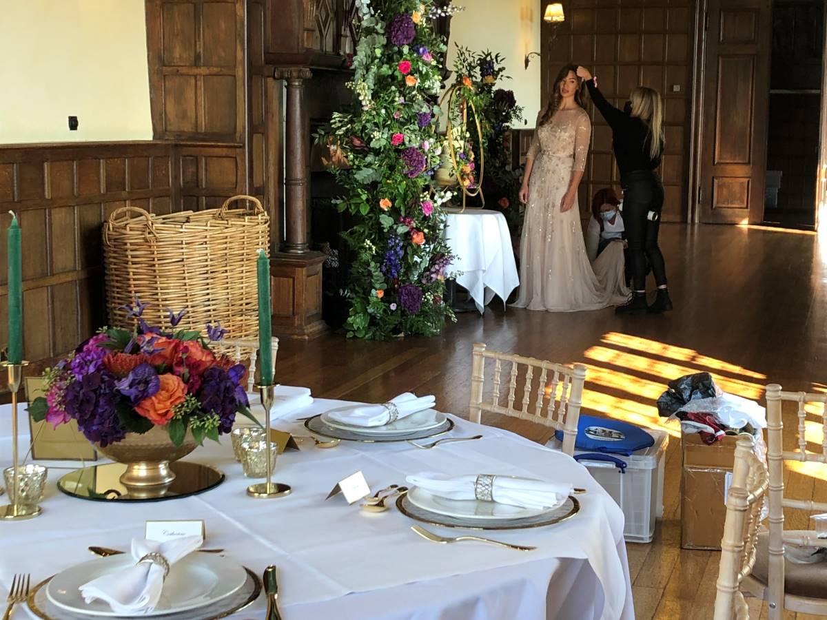 Photo shoot, bride, wedding flowers